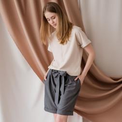 Stilinga moteriška lino / viskozės palaidinė TAHO trumpomis rankovėmis ir paslėptu užtrauktuku priekyje, smėlis