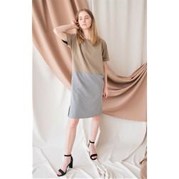 Moteriška patogi ir stilinga lino/viskozės suknelė DUAL smėlinė/pilka trumpomis rankovėmis