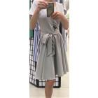 Įliemenuota lino/viskozės moteriška suknelė su dirželiu HAVANA pilka