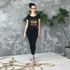 Stilingi moteriški marškinėliai su užrašu MOM SUPERPOWER, juodi
