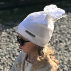Extremely stylish girl beanie with a grid FASHIONISTA white/golden