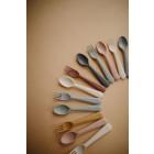 Mushie vaikiškas įrankių komplektas - šakutė ir šaukštas - šviesiai rožinis, Pudra