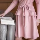 Moteriška patogi ir stilinga suknelė su dirželiu OSAKA Pelenų Rožė