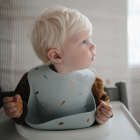 Mushie silikoninis vaikiškas seilinukas - Sidabrinis šalavijas