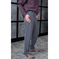 Moteriškos stilingos kelnės su dirželiu ir stilingom juostelėm apačioje, pilkos